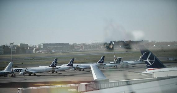Na stołecznym Lotnisku Chopina wylądował samolot PLL LOT wiozący Polaków z Londynu - poinformował rzecznik prasowy portu Piotr Rudzki.