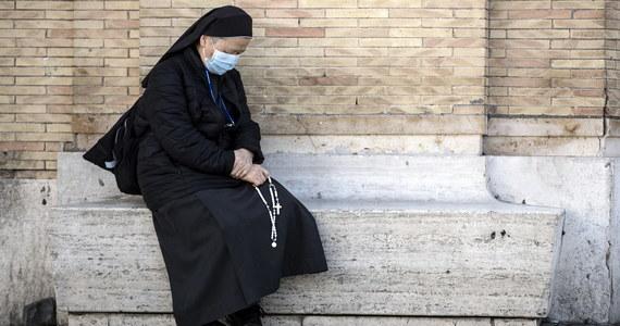 W Europie jest już ponad 75 tys. potwierdzonych przypadków zakażeń koronawirusem SARS-CoV-2. To niemal tyle, co w Chinach, gdzie od wybuchu epidemii w grudniu 2019 zarejestrowano ok. 81 tys. zainfekowanych osób. Na świecie w poniedziałek rano było ponad 170 tys. zakażeń w 158 krajach - wynika z danych WHO.