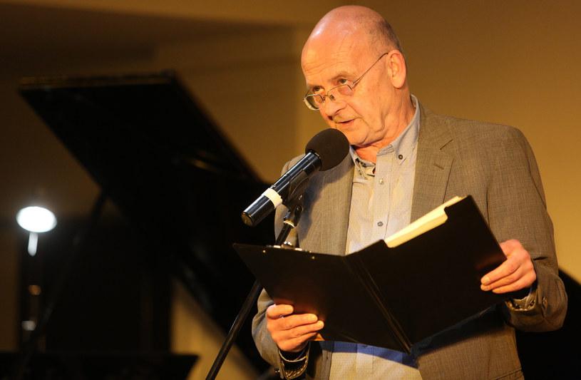 Jak podaje portal wirtualnemedia.pl, najbliższe notowanie Listy Przebojów Trójki mogą poprowadzić Marek Wiernik lub Mirosław Rogalski. Znany jest też kandydat na dyrektora muzycznego.