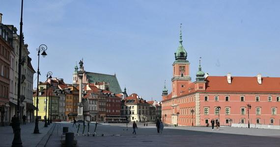 Tylko jedna na sto osób objętych w Polsce obowiązkową kwarantanną domową - według statystyk - złamała zasady i opuściła miejsce pobytu. To wnioski z policyjnej kontroli.