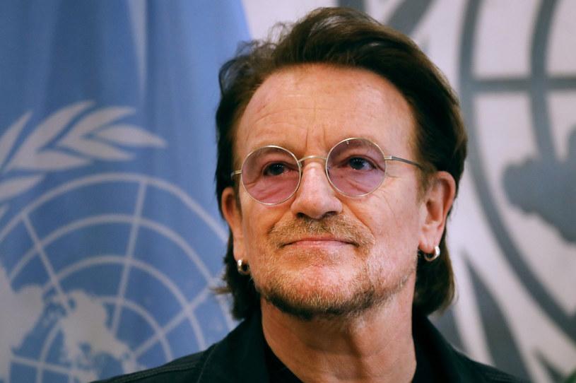 """""""Let Your Love Be Known"""" to piosenka nagrana przez Bono, wokalistę grupy U2. W ten sposób Irlandczyk chce wesprzeć ludzi walczących z pandemią koronawirusa."""
