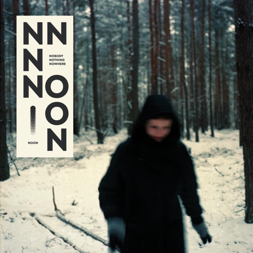 """Gdyby trzeba było dobrze scharakteryzować """"muzykę miejską"""" to koniecznie trzeba sięgnąć po nagrania warszawskiego producenta. Tym razem NOON zabiera na nocny spacer nie tylko alejkami polskiej stolicy, ale zaprasza jeszcze dalej."""