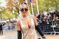 """Rita Ora rozczarowana wynikami sprzedaży swojego singla """"How to Be Lonely"""". To wina pandemii?"""