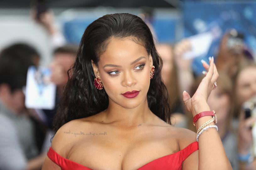 Pięć milionów dolarów, w tym 700 tys. na respiratory, przekazała Rihanna Barbadosowi.