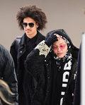 """Madonna i młodszy o 36 lat Ahlamalik Williams razem w """"La Vie En Rose"""". Dziwny filmik z wanny"""