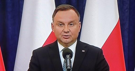 Nikt nie ma wątpliwości, że kryzys wywołany przez koronawirusa będzie głęboki na całym świecie, dotyka on także i Polskę - powiedział prezydent Andrzej Duda po posiedzeniu Rady Bezpieczeństwa Narodowego.