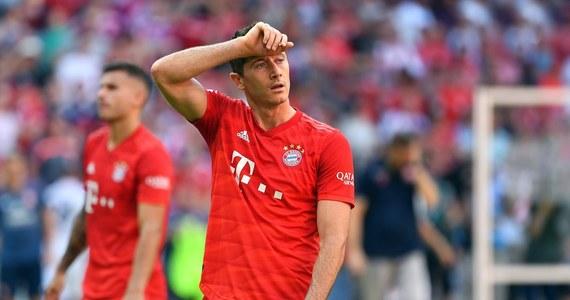 Piłkarze Bayernu Monachium dołączyli do kilku innych klubów niemieckiej ekstraklasy, które zdecydowały o obniżeniu pensji w związku z kryzysem spowodowanym pandemią koronawirusa. Rada drużyny mistrza kraju zgodziła się na zmniejszenie wynagrodzenia o 20 proc.