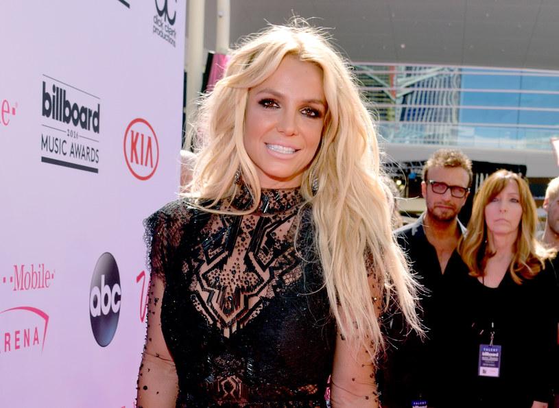 Zaskakująca deklaracja pojawiła się na instagramowym koncie Britney Spears. Wokalistka udostępniła post pisarki Mimi Zhu, w którym nawołuje do masowych strajków i redystrybucji bogactwa.
