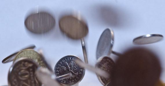 W obliczu kryzysu wywołanego pandemią koronawirusa ok. 80 proc, małych firm chce zwolnienia z płacenia składek ZUS, a ponad 64 proc. - zwolnienia z podatków - wynika z badania Krajowego Rejestru Długów na temat oczekiwanego przez przedsiębiorców wsparcia ze strony rządu.