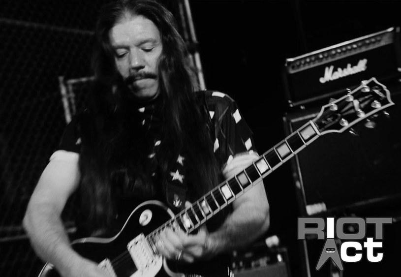 W Nowym Jorku zmarł Lou A. Kouvaris, były gitarzysta heavymetalowej grupy Riot, ostatnio współtworzący Riot Act.