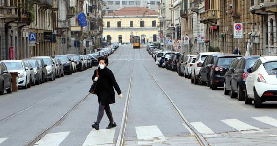 Włoski minister zdrowia Roberto Speranza potwierdził w niedzielę wcześniejsze zapowiedzi, że obowiązujące do 3 kwietnia w kraju ograniczenia możliwości wychodzenia z domu i inne kroki będą przedłużone. Jak zaznaczył, okres ten nie będzie krótki.