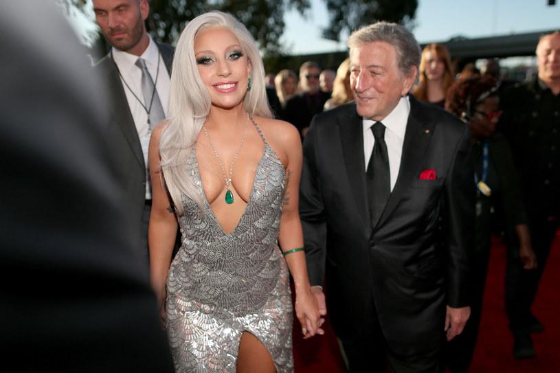 Tony Bennett nie przestaje komplementować Lady Gagi. 93-letni wokalista nazwał swoją koleżankę showmanką i chwalił jej rezydenturę w Las Vegas.