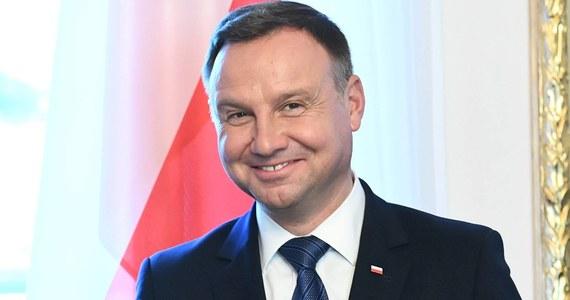 Prezydent Andrzej Duda zaprosił w poniedziałek uczniów do udziału w internetowym turnieju Grarantanna Cup. Poinformował też o założeniu konta na Tik Toku.