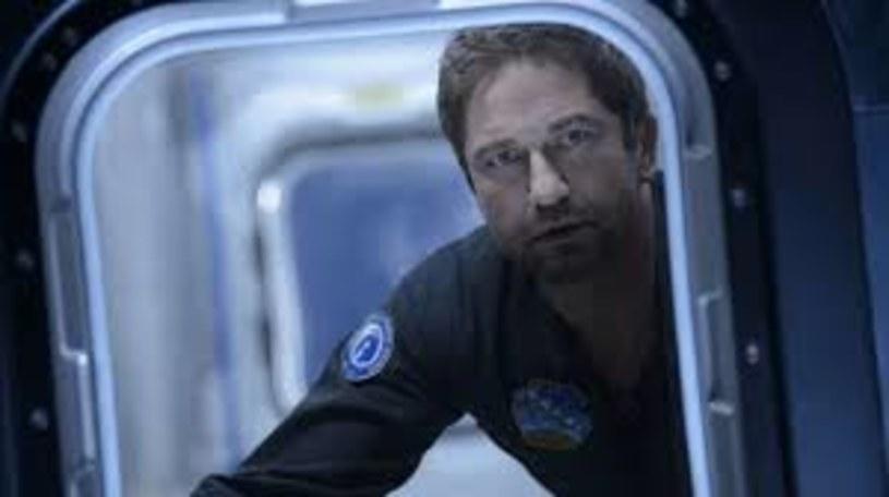 """Ziemi zagraża katastrofa, która może zniszczyć całą ludzkość. Brzmi znajomo? Nie, wyjątkowo nie chodzi o koronawirusa, tylko o odłamki komety, które zbliżają się do naszej planety. Wszystko to w zwiastunie widowiska katastroficznego """"Greenland"""" z Gerardem Butlerem w roli głównej."""