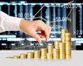 Wielka Trójka przejmuje kontrolę - ofensywa firm inwestycyjnych