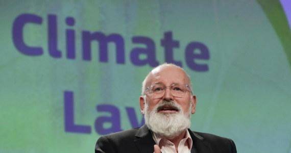 Wiceszef KE Frans Timmermans ogłosił, że Komisja Europejska podtrzymuje swój plan zwiększenia celu redukcji emisji CO2 do 2030 r. do 50-55 proc. w porównaniu do poziomów z 1990 r.  Obecnie cel ten to 40 proc.