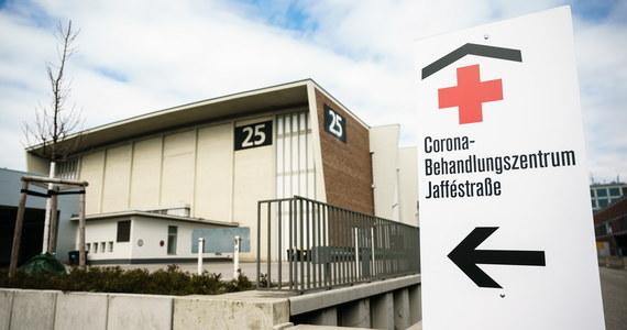 Burmistrz jednej z dzielnic Berlina Stephan von Dassel twierdzi, że celowo zaraził się koronawirusa, bo - jak przekonuje - chciał się uodpornić, a przy okazji być razem ze swoją przyjaciółką podczas jej kwarantanny.