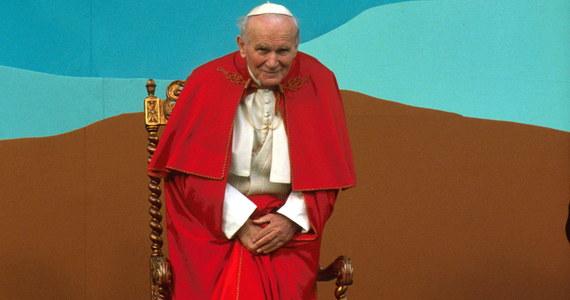Mija 15 lat od śmierci Karola Wojtyły, papieża Jana Pawła II. W czasie ostatnich piętnastu lat odbyły się beatyfikacja i kanonizacja polskiego papieża, a do jego dziedzictwa i nauczania nawiązuje już jego drugi następca, papież Franciszek.
