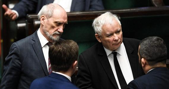 PiS złożyło w Sejmie autopoprawkę do projektu ustawy ws. głosowania korespondencyjnego. Zgodnie z nią, wybory prezydenckie w 2020 roku zostaną przeprowadzone wyłącznie w drodze głosowania korespondencyjnego.