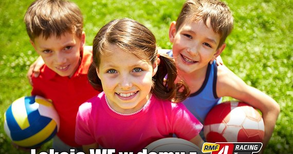 Nawet podczas kwarantanny związanej z koronawirusem dzieci mogą mieć lekcje wychowania fizycznego i świetnie się przy tym bawić. Do ćwiczeń potrzeba dostępu do internetu, trochę wolnego miejsca w pokoju i dobrych chęci. Już kilkanaście tysięcy osób ćwiczyło z drużyną sportową RMF4RT Gladiators.