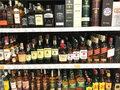 Zamknięte bary, sprzedaż whisky drastycznie spada