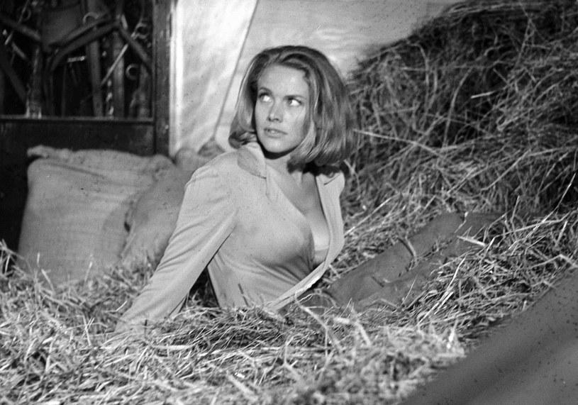 """Brytyjska aktorka Honor Blackman, odtwórczyni roli Pussy Galore w filmie o przygodach Jamesa Bonda """"Goldfinger"""", zmarła w wieku 94 lat."""