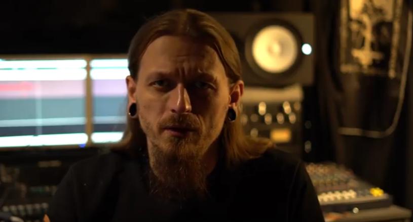 W połowie marca lider metalowej formacji Batushka - Krzysztof Drabikowski - potwierdził, że jest zarażony koronawirusem. Był pierwszym zakażonym w województwie podlaskim.