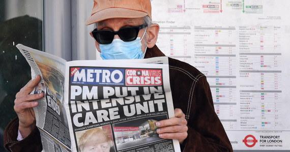 Brytyjski premier Boris Johnson jest w dobrym nastroju, nie jest podłączony do respiratora i nie wymaga wspomagania, żeby oddychać - poinformował rzecznik rządu. Dodał też, że Johnson nie ma zapalenia płuc. Wieczorem rzecznik przekazał, że stan Borisa Johnsona jest stabilny i pozostaje on na oddziale intensywnej terapii w celu dokładnego monitorowania jego zdrowia.