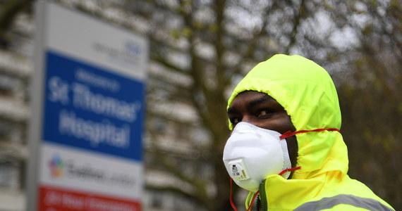 Kolejne 786 osób zmarło w Wielkiej Brytanii z powodu koronawirusa. Łączna liczba ofiar śmiertelnych wzrosła do 6159 - poinformowało brytyjskie ministerstwo zdrowia.