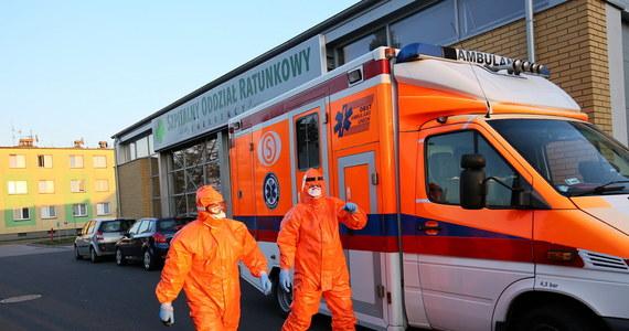 """Nawet trzysta tysięcy masek do nurkowania może leżeć w szufladach Polaków. """"Przekażcie te maski naszym wolontariuszom i pomóżcie w przygotowaniu skutecznych masek sanitarnych dla medyków"""" apelują twórcy akcji Maska dla Medyka."""