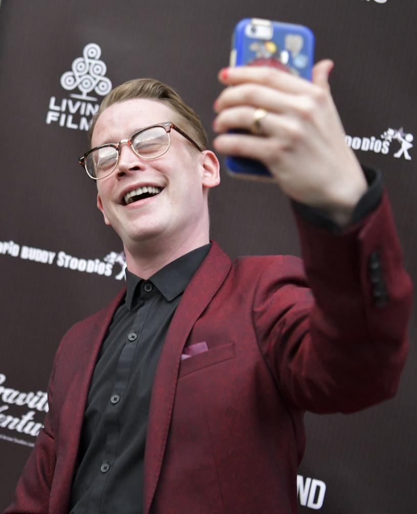 """Macaulay Culkin ma otrzymać ponad 3 miliony dolarów za gościnny występ w nowej wersji """"Kevina samego w domu"""" - wynika z informacji brytyjskiego tabloidu """"The Sun""""."""