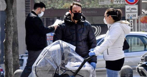 610 osób zakażonych koronawirusem zmarło w ciągu ostatniej doby we Włoszech - podała Obrona Cywilna. Łączny bilans zgonów wzrósł tym samym do 18 279. Od środy zanotowano 1615 nowych zakażeń. Obecnie wirusa ma 96 tysięcy osób.