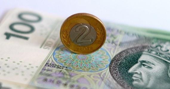 Firmy, które już zwolniły pracowników, także będą mogły skorzystać z ogłoszonego przez rząd i Narodowy Bank Polski programu częściowo bezzwrotnych pożyczek. Warunkiem będzie jednak zatrudnienie dodatkowych osób - wynika z informacji dziennikarzy RMF FM.