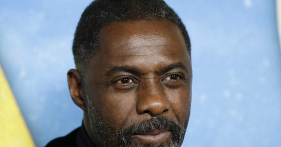 Idris Elba - brytyjski aktor, który w połowie marca poinformował o tym, że potwierdzono u niego zakażenie koronawirusem, wystąpił we wzruszającym spocie przygotowanym przez BBC. Gwiazdor odczytał wiersz, kóry ma dodać nadziei Brytyjczykom walczącym z pandemią koronawirusa.