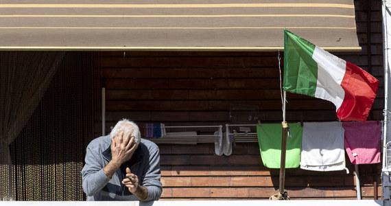 """""""Wiem, że wielu Włochów spędzi dzień Wielkanocy w samotności. Ja również"""" - powiedział prezydent Sergio Mattarella w sobotnim orędziu do rodaków. Wyraził przekonanie, że do zwycięstwa nad koronawirusem jest coraz bliżej."""