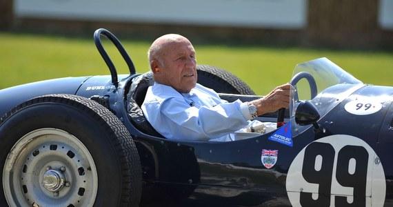 """W wieku 90 lat zmarł jeden z najwybitniejszych kierowców Formuły 1 sir Stirling Moss - poinformowała gazeta """"Daily Mail"""". """"Był uznawany za najlepszego z grona tych, którym nigdy nie udało się wywalczyć tytułu mistrza świata"""" - zaznaczają dziennikarze."""