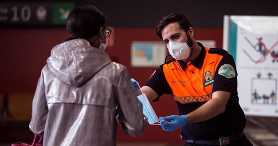 Hiszpania minęła już szczyt epidemii koronawirusa, a liczba nowych przypadków zachorowań i zgonów powinna w najbliższych dniach systematycznie spadać - oznajmił minister zdrowia Salvador Illa.