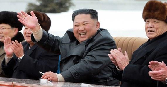 Korea Północna wystrzeliła kilka pocisków manewrujących krótkiego zasięgu w kierunku Morza Japońskiego - poinformowało dowództwo południowokoreańskich sił zbrojnych. Niedługo potem północnokoreańskie myśliwce wystrzeliły pociski powietrze-ziemia.