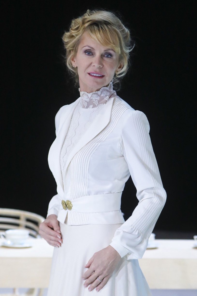 Świetna aktorka i piękna kobieta. Od zawsze bardzo ciekawa ludzi i świata. W rozmowie Beata Ścibakówna wyznała, że podczas epidemii koronawirusa stara się zachować optymizm.