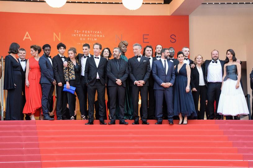 Festiwal filmowy w Cannes jak co roku miał się odbyć w maju, ale w związku z pandemią, został przeniesiony na przełom czerwca i lipca. Teraz jednak nadzieje na zorganizowanie imprezy w tym terminie również zostały rozwiane, bo zarządzenie prezydenta Emmanuela Macrona przedłużyło okres przymusowej kwarantanny we Francji. Organizatorzy mają jednak nadzieję, że tegoroczna edycja festiwalu jednak się odbędzie.