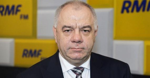 """""""Tak. Poczta Polska będzie gotowa do 10 maja do przeprowadzenia wyborów"""" – przekonywał w Porannej Rozmowie w RMF FM minister aktywów państwowych, Jacek Sasin. """"Mamy harmonogram, nie widzę żadnych zagrożeń ze strony Poczty"""" – dodał."""