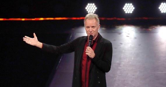 """Jest nowa data koncertu Stinga w Polsce. Koncert brytyjskiego muzyka """"Sting: My Songs"""" odbędzie się 24 lipca 2021 roku na stadionie PGE Narodowym w Warszawie. Początkowo artysta miał wystąpić w lipcu 2020 roku, jednak ze względu na koronawirusa przełożył trasę koncertową."""