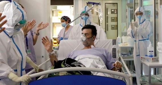 W ciągu minionej doby w Hiszpanii zmarło 551 osób zakażonych koronawirusem - poinformowało tamtejsze ministerstwo zdrowia. Liczba ofiar śmiertelnych pandemii wzrosła do 19 130, a liczba zakażonych przekroczyła 182 tys.