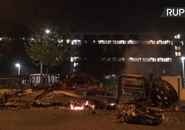 Zamieszki na przedmieściach Paryża. Powodem zachowanie policji podczas kwarantanny