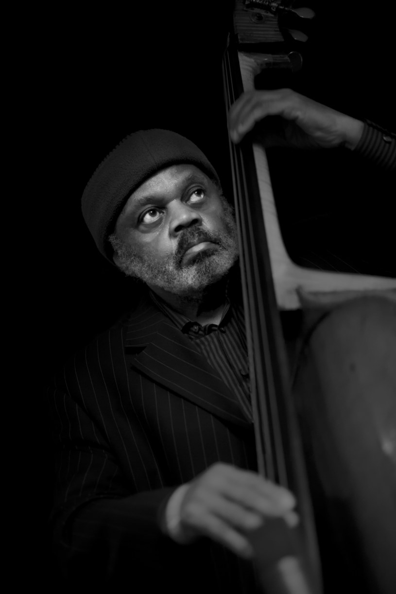 Henry Grimes, ceniony jazzman, który w przeszłości współpracował m.in. z Bennym Goodmanem i Theloniusem Monkiem, zmarł w wieku 84 w wyniku komplikacji po zakażeniu koronawirusem.