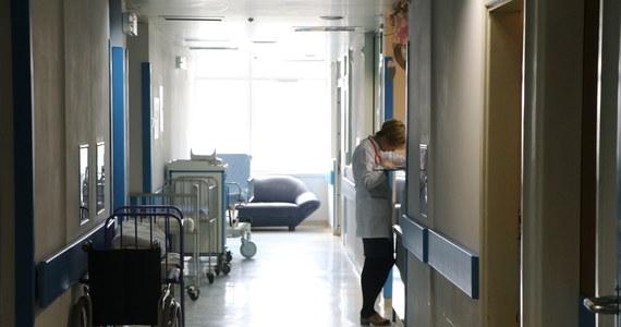 """34-letnia Polka pracująca w szpitalu w Northampton w środowej Anglii zmarła z powodu koronawirusa - poinformował w poniedziałek portal miejscowej gazety """"Northampton Chronicle & Echo""""."""