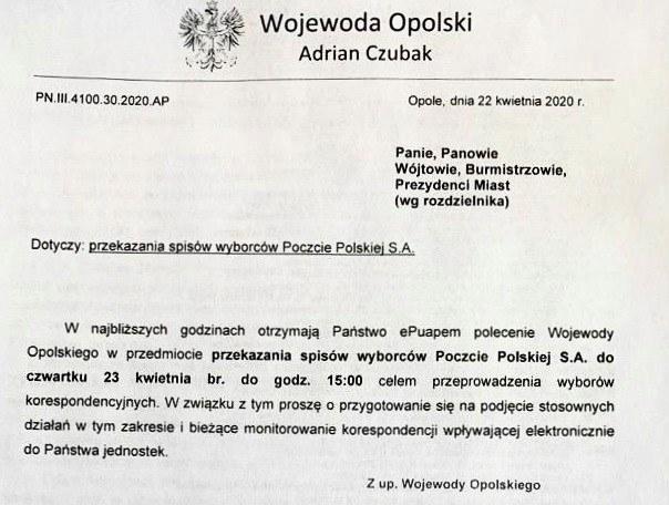 /Skierowane do samorządówców Opolszczyzny pismo, zapowiadające polecenie przekazania Poczcie Polskiej spisów wyborców /