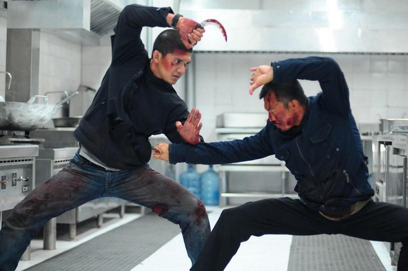"""Indonezyjski """"Raid"""", wyreżyserowany przez Garetha Evansa, był reklamowany jako """"najlepszy film akcji ostatniej dekady"""". Trzy lata po jego premierze nakręcona została kontynuacja zatytułowana """"Raid 2: Infiltracja"""". Produkcja od początku zaplanowana była jako trylogia, jednak do dzisiaj trzecia część serii nie powstała. Temat """"trójki"""" powrócił w podcaście magazynu """"Empire""""."""
