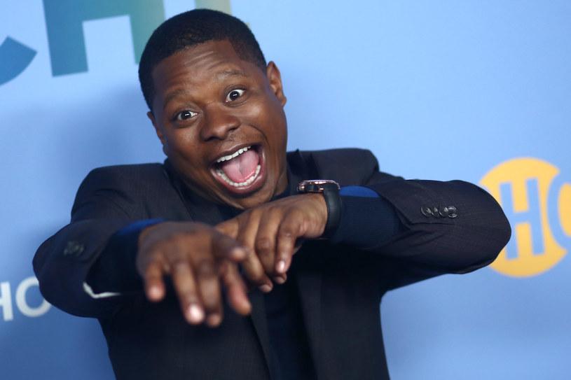 """Jason Mitchell, któremu rozgłos przyniosła rola rapera Eazy'ego-E w filmie """"Straight Outta Compton"""", został 23 kwietnia aresztowany w Missisipi pod zarzutem posiadania narkotyków i broni palnej, w tym karabinu AK-47. """"To nieporozumienie!"""" - komentuje agent aktora."""