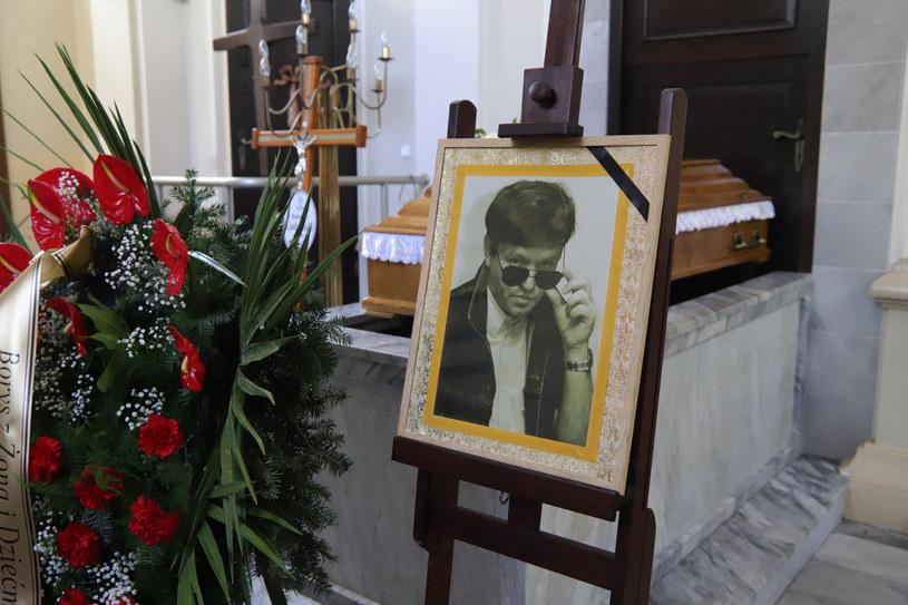 27 kwietnia na cmentarzu komunalnym Doły przy ul. Smutnej odbył się pogrzeb słynnego dziennikarza muzycznego Bohdana Gadomskiego.